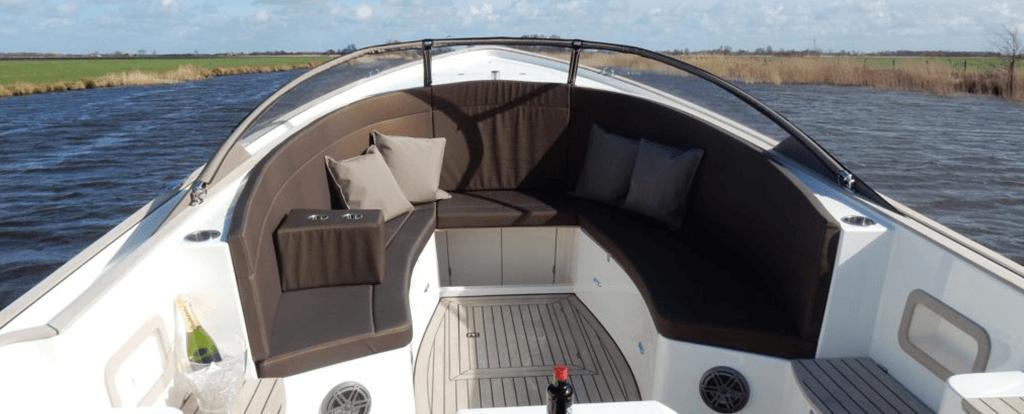 Opnieuw-bekleden-van boot-kussens