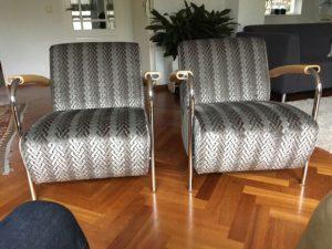 Opnieuw-bekleden-van-stoelen
